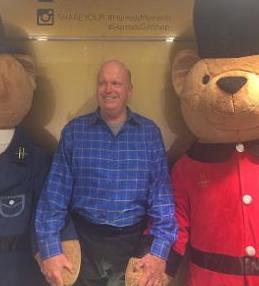 John and de' bears!